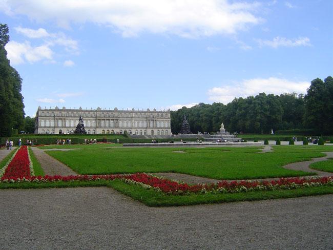 Дворец Херренкимзее - самый дорогостоящий из королевских дворцовых проектов - фото flickr.com