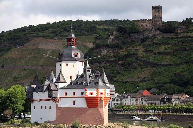 Замок Пфальцграфенштайн - фото flickr.com