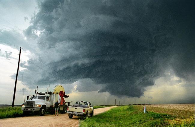 Торнадо в Канзасе - фото США
