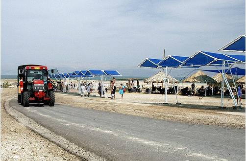 Мертвое море - Израиль - туристический автобус - фото flickr.com