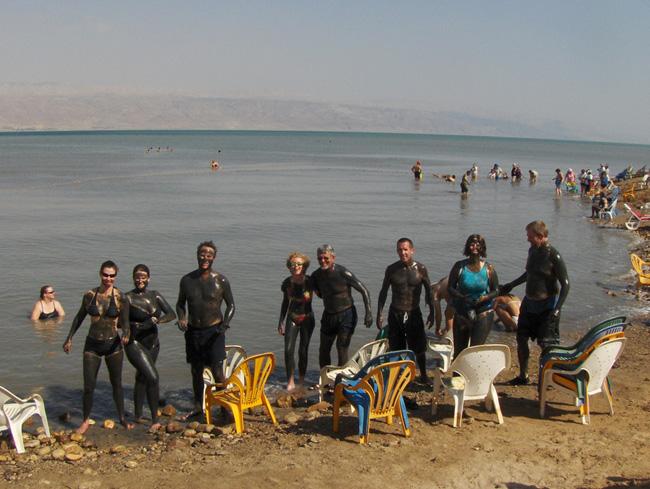 Лечение грязью - Мертвое море - фото flickr.com