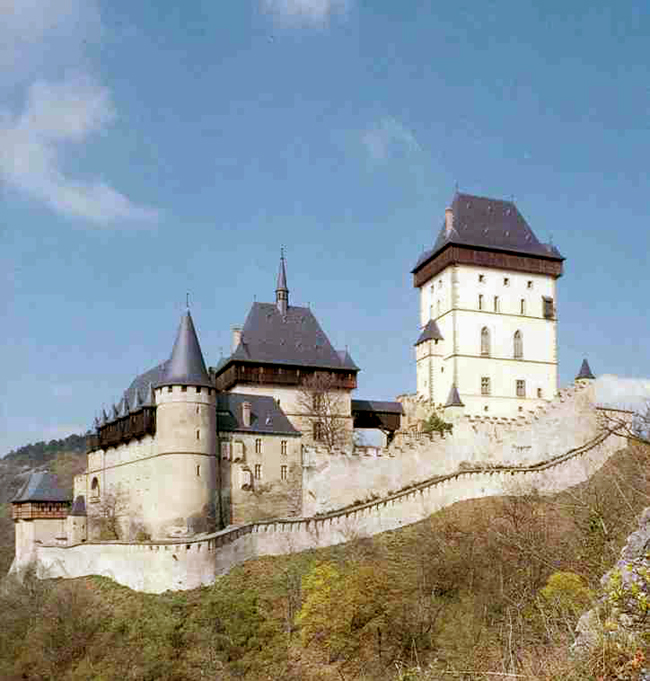 Замок Карлштейн - фото