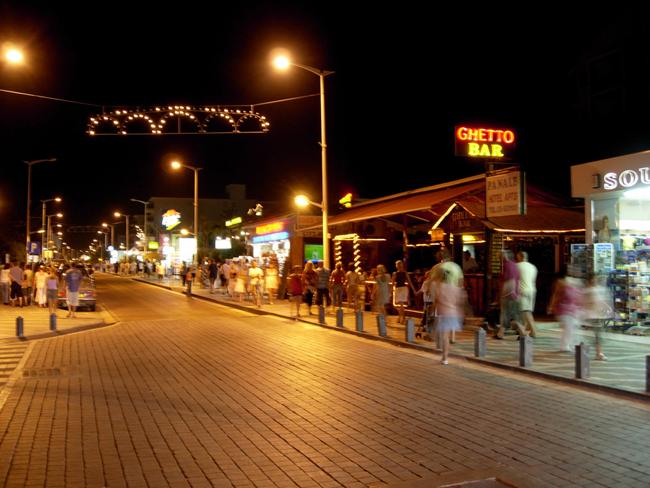 Протарас - ночью - фото