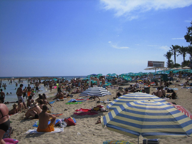 Айя - Напа - городской пляж - фото