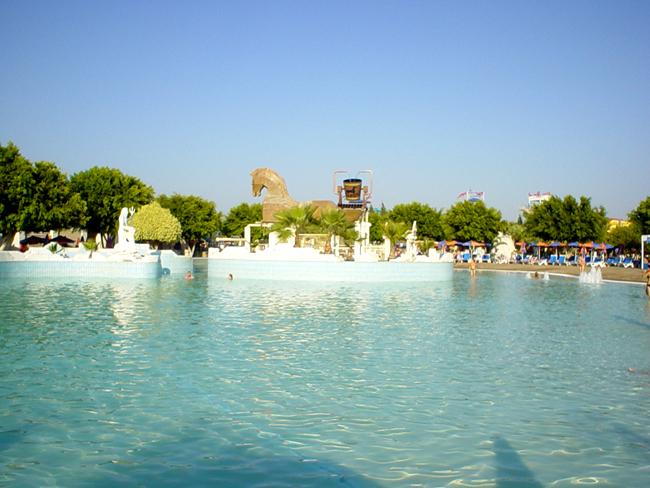 Аквапарк - Waterpark - бассейн - фото