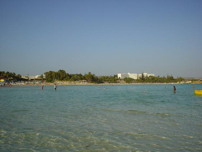 Кипр - пляж Нисси - фото