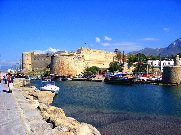 Кипр - замок в Киренеи - фото