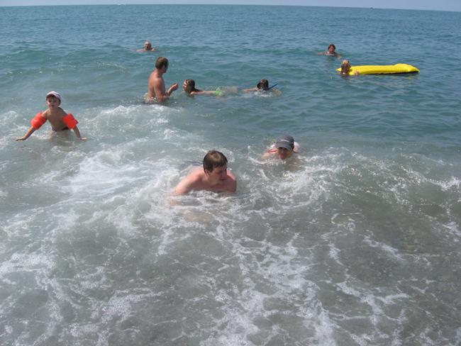 Пляж в Адлере - фото