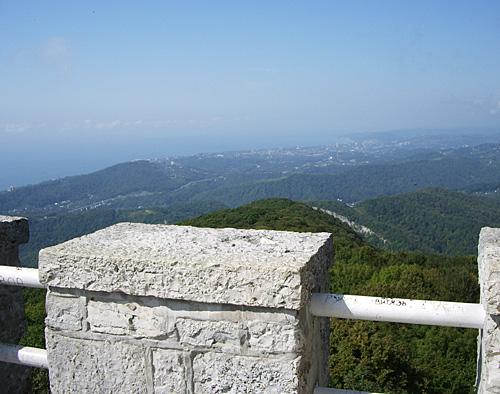 Вид на Адлер с высоты - фото
