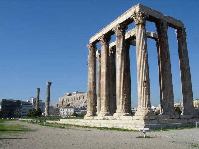 Храм Зевса Олимпийского Этот храм был центром древней Олимпии.Строительство его велось в 468-456 годах до н.э. Внутри храма находилось одно из чудес света - 12 метровая статуя Зевса.