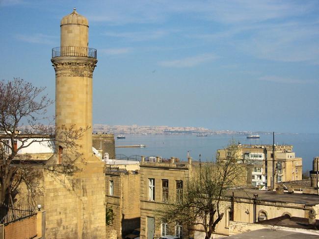 Баку - историческая часть города - фото