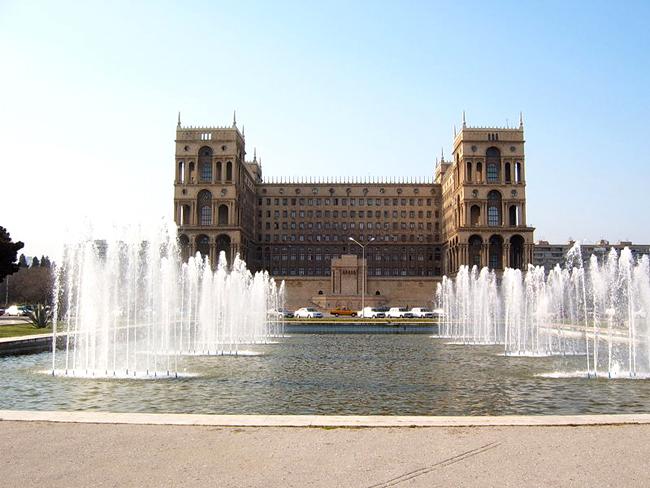 Здание Правительства Азербайджана - фото