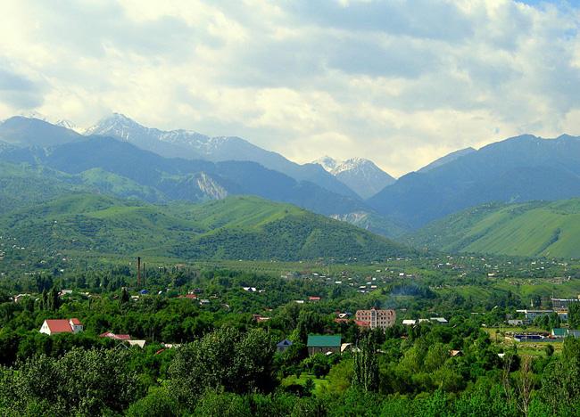 Горы Тянь-Шань - фото