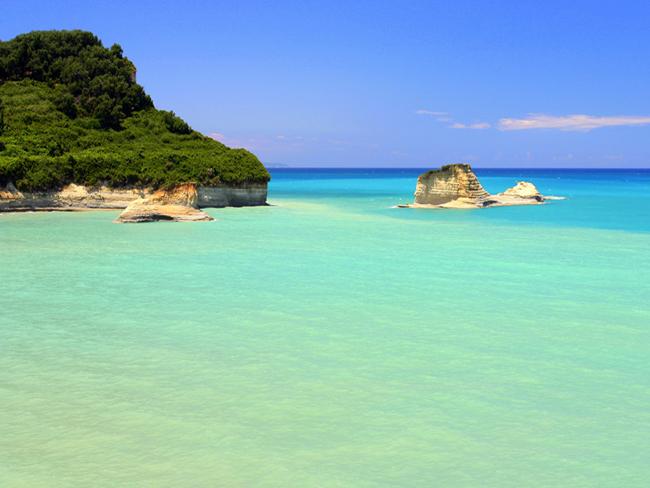 Греция. Пляж на острове Корфу. Фото
