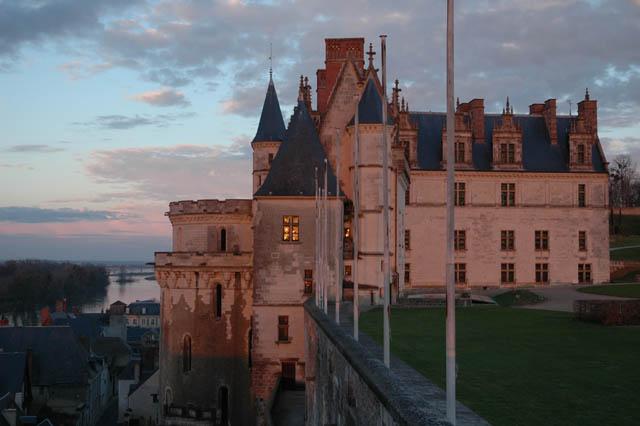 Замок Амбуаз - фото