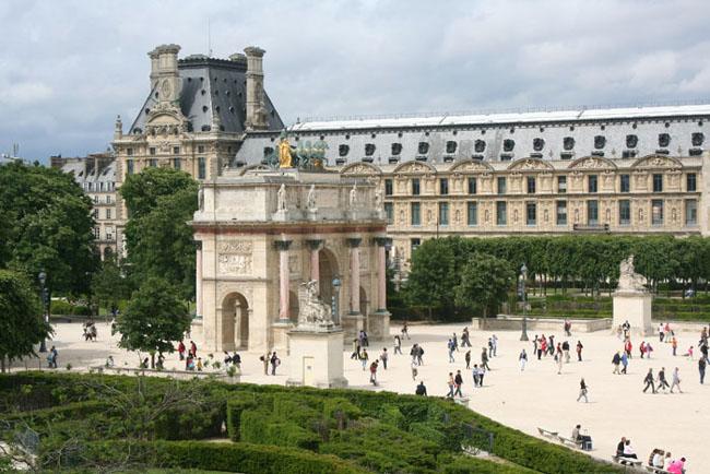 Лувр - Париж - таким он стал