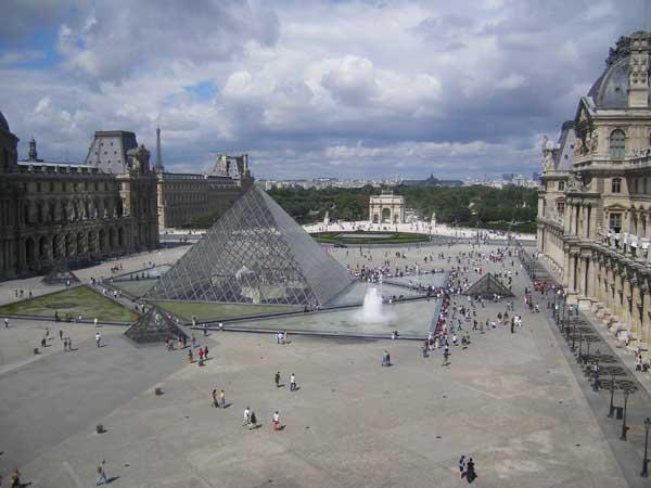 Лувр - Париж - фото