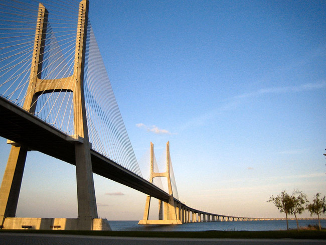 Лиссабон- мост - Португалия - фото