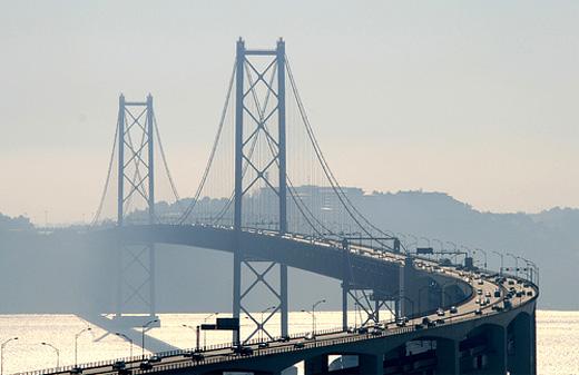 Лисссабон - мост - фото
