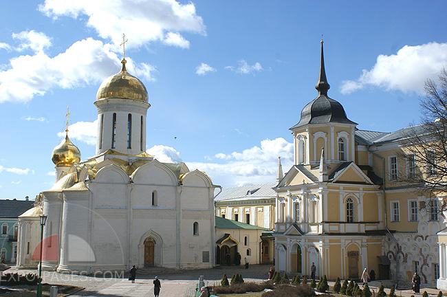 Троицкий собор и Никоновская церковь Троице-Сергиевой лавры