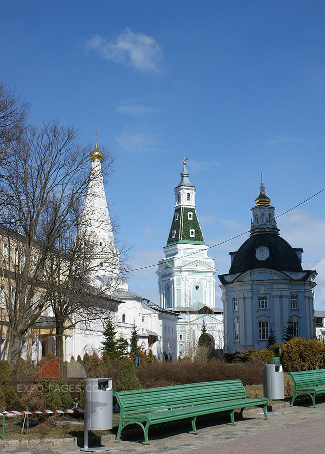 Церковь Смоленской иконы Божьей Матери и Каличья башня