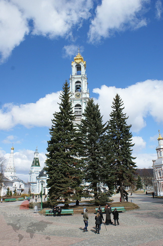 Колокольня - фото Свято Троице-Сергиевой лавры