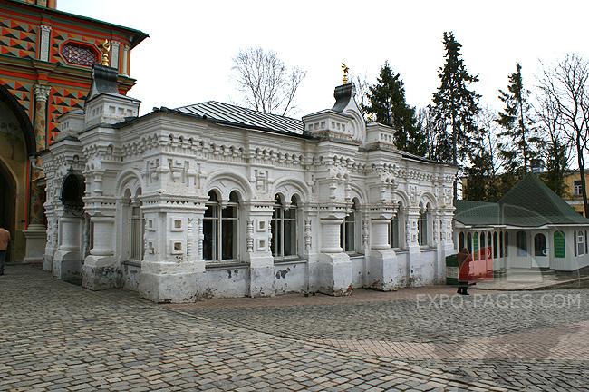 Трапезная и магазин Книги - Свято Троице-Сергиева лавра