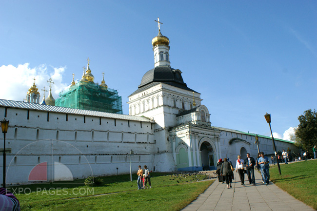 Святые врата - Свято-Троицкая Сергиева Лавра