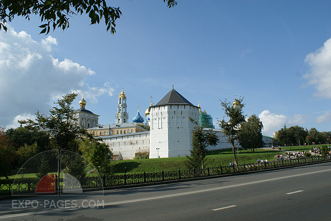 Туры и экскурсии по Свято-Троицкой Сергиевой Лавре