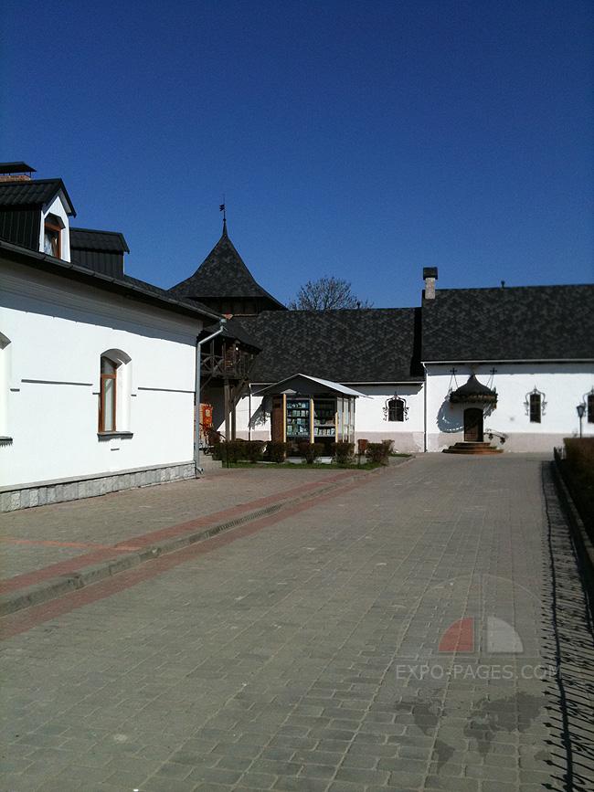 Зимненский монастырь - церковная лавка