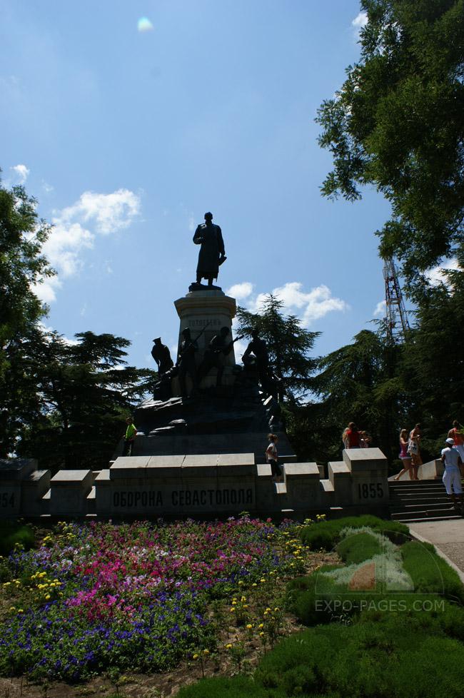 Памятники Севастополя - фото