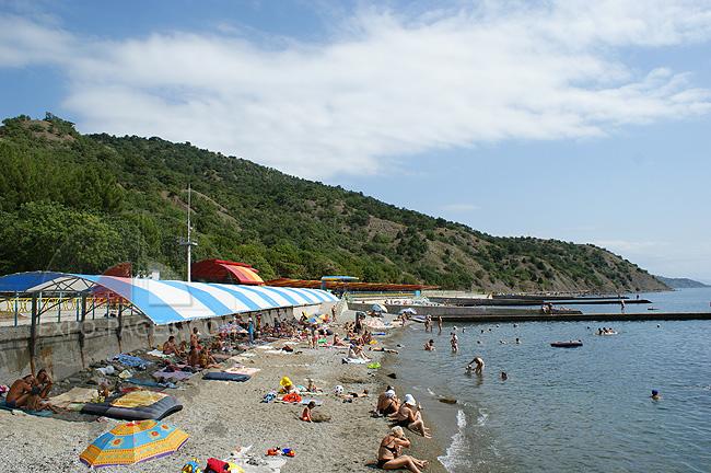 Пляж оздоровительного комплекса Семидворье