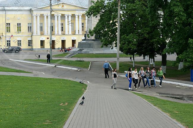 Соборная площадь перед Успенским собором