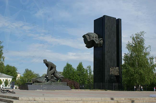 Памятники в Иваново - достопримечательности города ...: http://www.avialine.com/country/3/photo/141/347/504/39.html