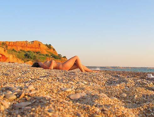 Крымские нудисты - пляжное фото (фотографии crimea-kurort.com)